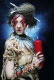 创造性组成妇女年轻人 播种被扩大的火光灵活性光晕月光奥秘影子蜘蛛网的大明亮的铸件古怪 免版税图库摄影