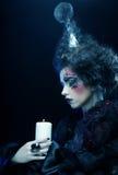 创造性组成妇女年轻人 播种被扩大的火光灵活性光晕月光奥秘影子蜘蛛网的大明亮的铸件古怪 免版税库存照片