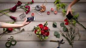 创造玫瑰花束录影  看法从上面, cinemagraf,美丽的花,录影加速度 股票录像