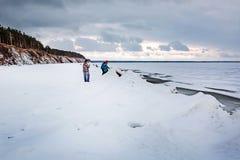 初期冬天,结冰新西伯利亚r的Ob 免版税图库摄影