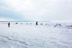 初期冬天,结冰新西伯利亚r的Ob 库存图片