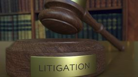 判断落和击中与诉讼题字的` s惊堂木块 股票录像