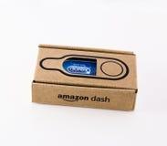 利兹,英国- 2016年11月17日 亚马逊破折号按钮的照片durex避孕套的 免版税库存照片