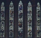 利奇菲尔德大教堂-在北部Transe的彩色玻璃内部  库存照片