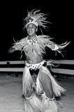 年轻玻利尼西亚太平洋海岛Tahitian人舞蹈家 库存照片