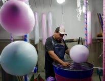 利昂,墨西哥1月13日2017年:棉花糖制造商 库存图片