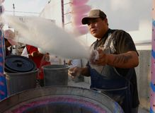 利昂,墨西哥1月13日2017年:棉花糖制造商 免版税图库摄影