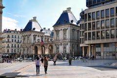 利昂,法国- 5月19 :路易斯Pradel广场 歌剧,老和新的城镇厅 库存图片