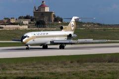 利比亚人727登陆的跑道32 库存图片
