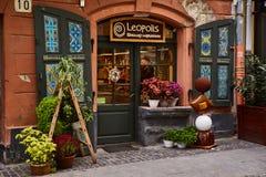 利沃夫州,乌克兰- 2017年11月 著名糖果店商店Leopolis在利沃夫州的中心 对chocola的一个美好的入口 免版税库存图片
