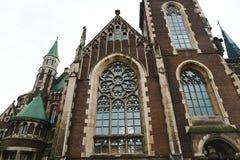 利沃夫州,乌克兰- 2018年2月4日:St伊丽莎白教会在冬天,巴洛克式和哥特式建筑的,大全景窗口利沃夫州 库存图片