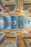 利沃夫州,乌克兰- 2016年9月09日:利沃夫州市教会内部 豪华金子Ornamen 壁画 库存图片