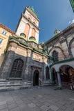利沃夫州,乌克兰- 2016年11月09日:利沃夫州教会后院 免版税库存照片