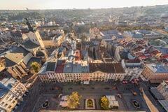 利沃夫州,乌克兰- 2016年9月08日:利沃夫州都市风景和日落光 利沃夫州老镇 库存图片
