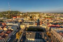 利沃夫州,乌克兰- 2016年9月08日:利沃夫州都市风景和日落光 利沃夫州老镇 库存照片