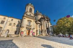 利沃夫州,乌克兰- 2016年11月09日:利沃夫州Citycape圣餐的教会教会 免版税库存照片