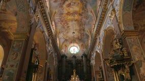 利沃夫州Bernardine教会,人们 影视素材