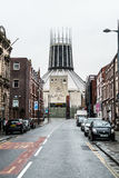利物浦大城市大教堂,从希望街道的看法 库存照片