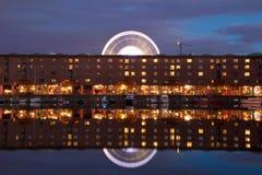 利物浦阿尔伯特船坞和弗累斯大转轮 图库摄影