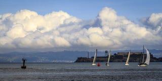 利用好天气的风船 免版税库存照片