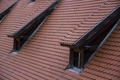 利福尼亚顺序城堡的内部andexterior dietails屋顶窗口被修造了15世纪中 包斯卡拉脱维亚 库存图片