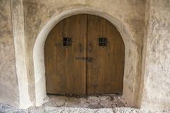 利福尼亚顺序城堡的内部andexterior dietails门被修造了15世纪中 包斯卡拉脱维亚 库存照片