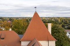 利福尼亚顺序城堡被修造了15世纪中 包斯卡拉脱维亚在秋天 免版税库存照片
