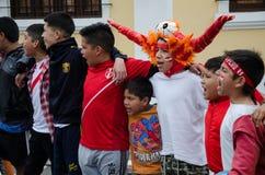 利马,秘鲁- 2017年10月10日:狂热在秘鲁秘鲁对哥伦比亚俄罗斯2018年 库存照片