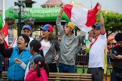 利马,秘鲁- 2017年10月10日:狂热在秘鲁秘鲁对哥伦比亚俄罗斯2018年 免版税库存照片