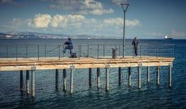 利马索尔,塞浦路斯- 2016年12月:沿海岸线的散步 图库摄影