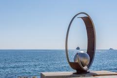 利马索尔,塞浦路斯- 2015年10月26日, :岩石和雕塑Molos我 免版税库存照片