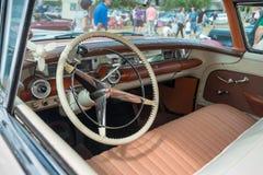 1958年别克的内部限制了经典汽车 免版税库存图片