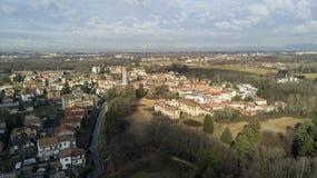 别墅梅多拉戈Rasini,林比亚泰, ` 700的别墅的鸟瞰图 库存图片