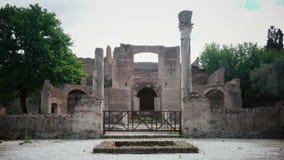 别墅艾德里安娜在蒂沃利罗马-拉齐奥意大利-三Exedras大厦废墟在Hardrians别墅考古学站点  股票录像