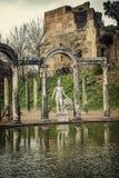 别墅艾德里安娜 Hadrian别墅的Canopus在Tivoli,意大利 图库摄影