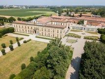 别墅Arconati, Castellazzo,博拉泰,米兰,意大利 鸟瞰图 别墅Arconati, Castellazzo,博拉泰,米兰,意大利 免版税库存图片