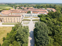 别墅Arconati, Castellazzo,博拉泰,米兰,意大利 鸟瞰图 别墅Arconati, Castellazzo,博拉泰,米兰,意大利 免版税库存照片
