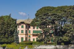 别墅Dozzio在切尔诺比奥,意大利 免版税库存图片