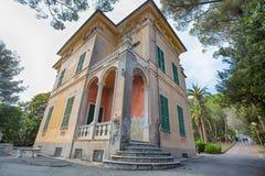 别墅Luxoro在热那亚Nervi Groppallo公园附近的热那亚Nervi,意大利 库存照片