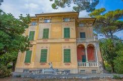 别墅Luxoro在热那亚Nervi Groppallo公园附近的热那亚Nervi,意大利 免版税库存照片