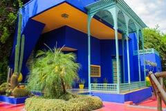 别墅Majorelle在马拉喀什,摩洛哥 庭院露台 免版税库存图片