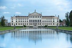 别墅Pisani -有历史的宫殿和公园在意大利 免版税库存照片