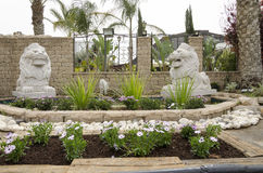别是巴,以色列 两3月24日,雕刻了狮子在入口- 库存图片