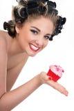 别针的妇女样式和杯形蛋糕 免版税库存照片
