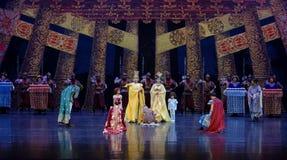 到家庭尾巴帷幕的公主` s参观:`丝绸之路` -史诗舞蹈戏曲`丝绸公主` 免版税库存图片
