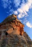 到自然穴居人巨大奇迹日落的旅行在蓝天, cappadocia,火鸡 库存照片