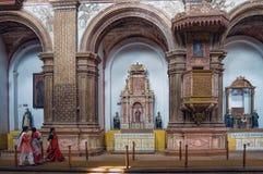 到著名地标的印地安游人参观 免版税库存照片