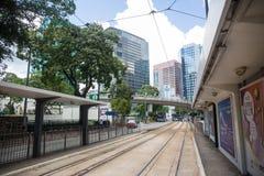000 19 243 456 2012到达了驳船运载离去的地区前面香港的企业货物可以百万r s有些吨船年 A r - 2017年7月13日:73E在锡基乌的电车中止 免版税库存图片