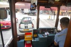 000 19 243 456 2012到达了驳船运载离去的地区前面香港的企业货物可以百万r s有些吨船年 A r - 2017年7月13日:里面看法电车或丁丁 图库摄影
