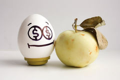 到达天空的企业概念金黄回归键所有权 与眼睛的一个鸡蛋 库存图片